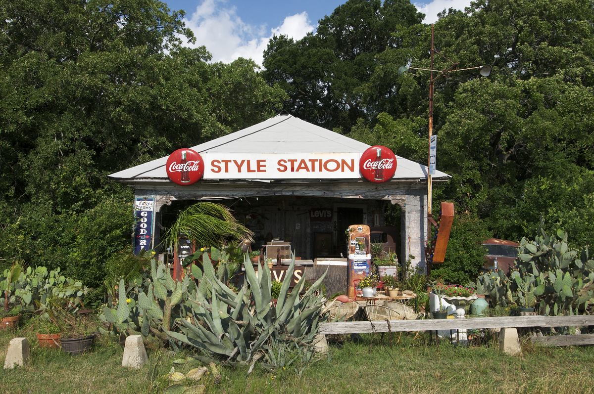 The Styling Station, a gasoline station along Interstate 35 between Waco and Dallas repurposed as a vintage clothing store.